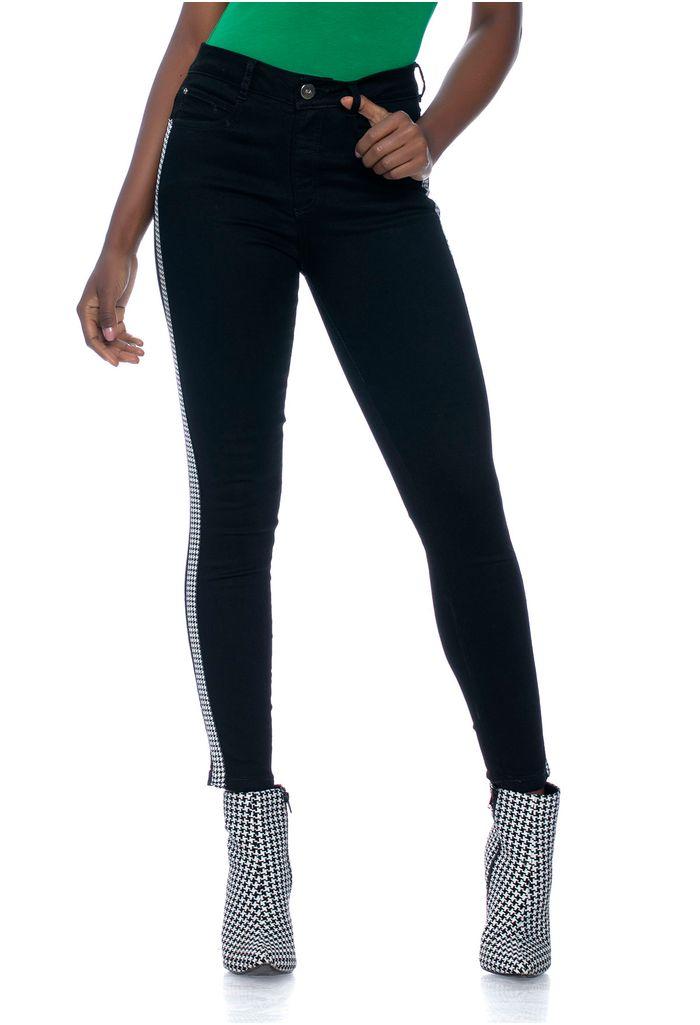 skinny-negro-e135778-1