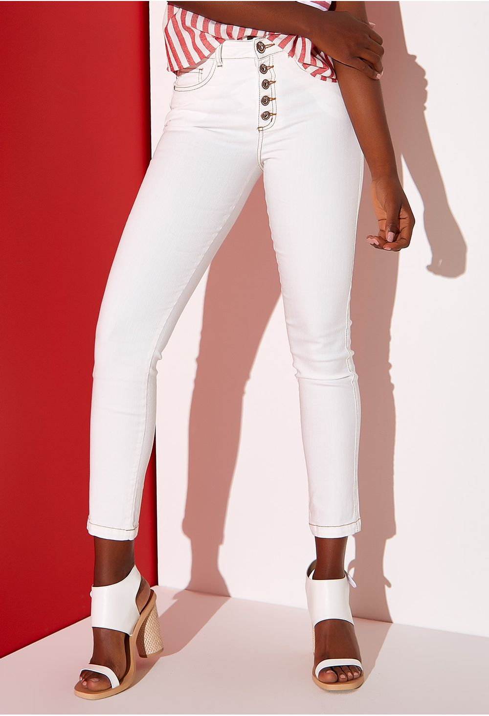 acaacf09d96 Jeans Skinny Con Botones Expuestos Natural E135965 - ELA