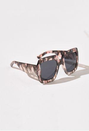 accesorios-negro-e217670-1